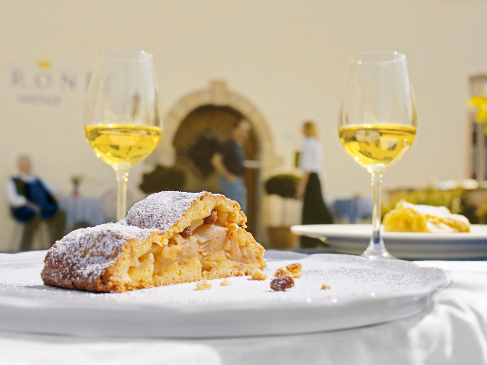 South Tyrol's Bread and Strudel Market