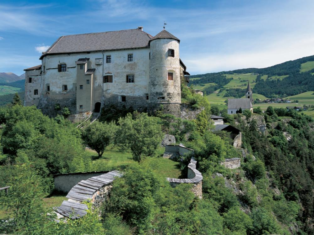 Das Ziel der Tour: Schloss Rodenegg