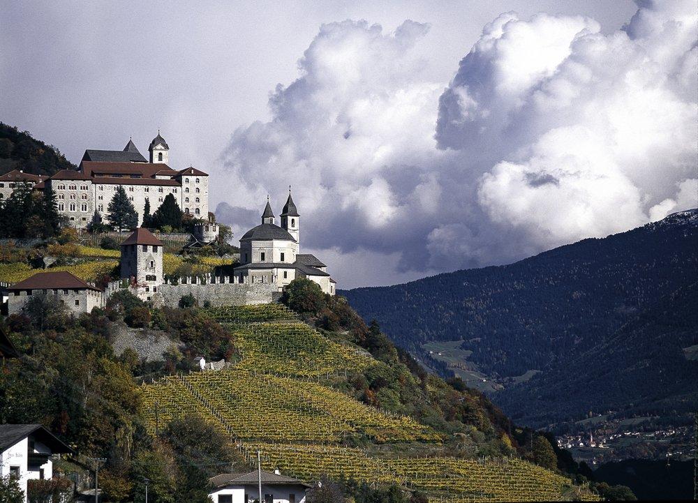 Kloster Säben oberhalb von Klausen im Eisacktal